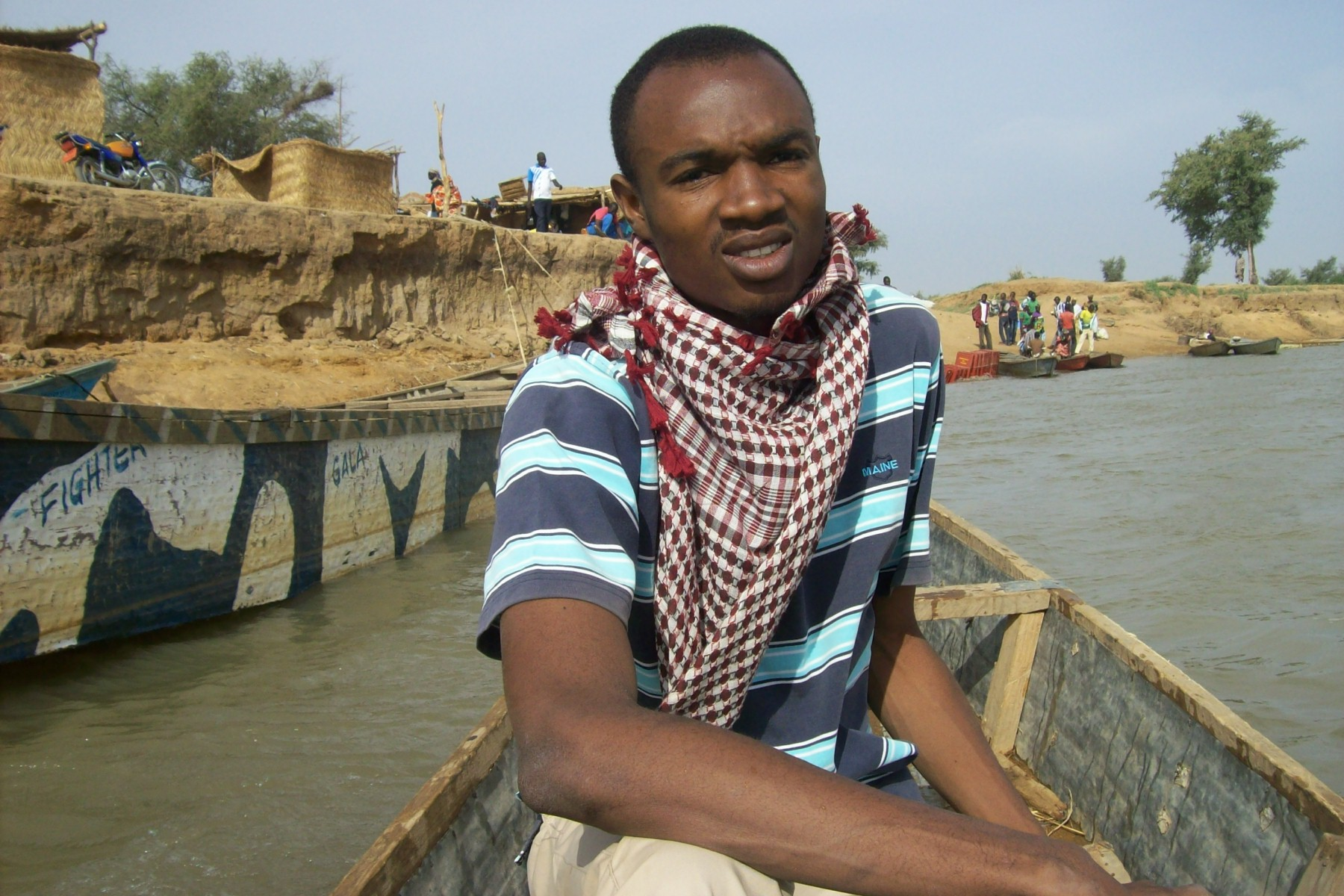 Canoeing the Chadian border into Cameroon.